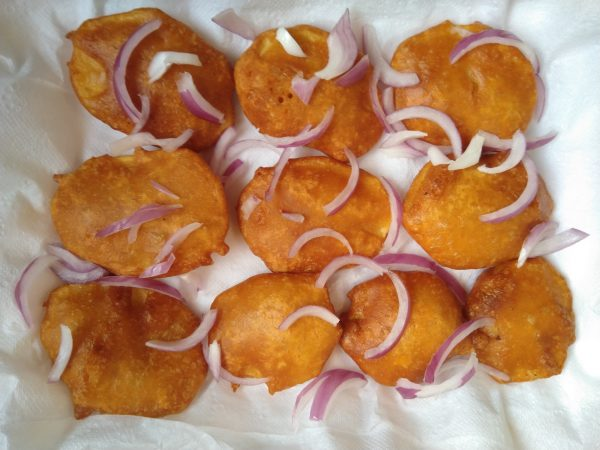 Potato Fritters Recipe / Aaloo k bhajiye / Crispy potato pakora